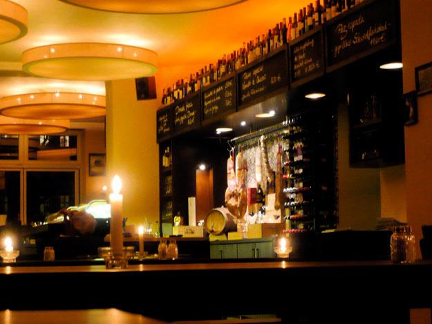 Tres-Tapas-Bar-Michael-Lieb-Architekten-21 Tres Tapas Berlin